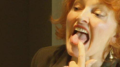 Зуд на языке у женщины
