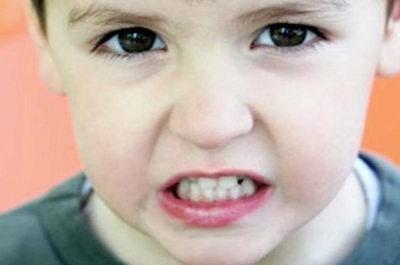 Дневной бруксизм у ребенка