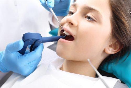 Лечение зубов детям с анестезией