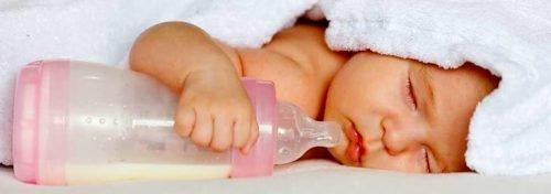 Ночные кормления - основная причина бутылочного кариеса