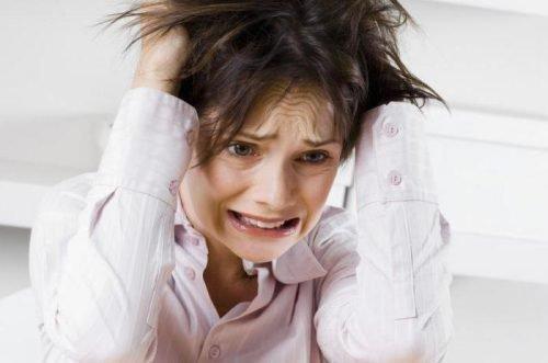 Стрессы - причина скрежета зубами
