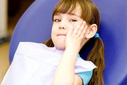 Лечить зубы у детей