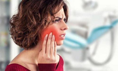 Периодонтит вызывает боль в челюсти