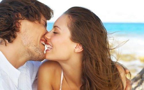 Поцелуй и кариес - можно ли заразиться?