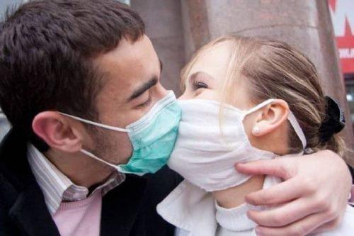 Поцелуй при пародонтозе может стать причиной заболевания
