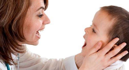 Запах мочи изо рта у ребенка