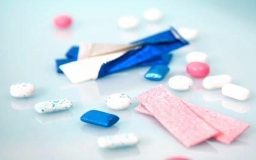 Жевательные резинки защищают зубы
