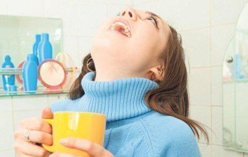 Полоскания горла от тонзилита