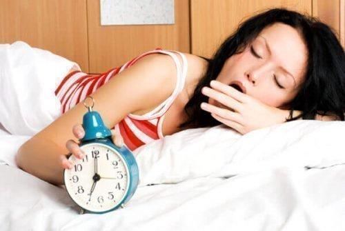 Гормональный фон - причина горечи во рту по утрам