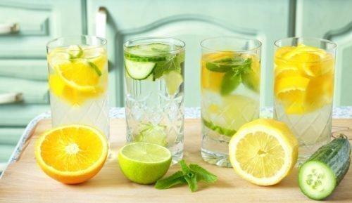 Лимонная и огуречная вода