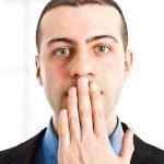 Причины появления запаха изо рта хлорки