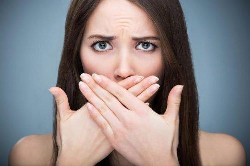 запах изо рта после операции