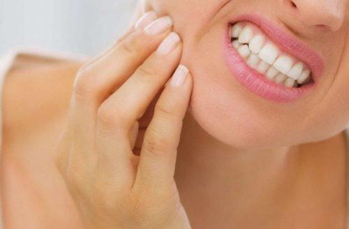 Почему болит зуб под пломбой?