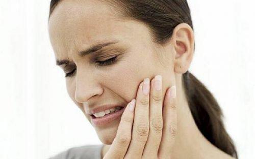 Болит зуб под мышьяком - что делать