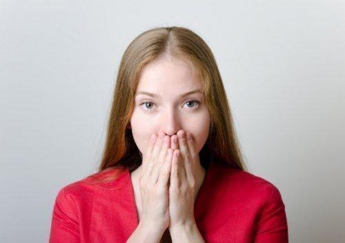 Галитоз у подростка по утрам