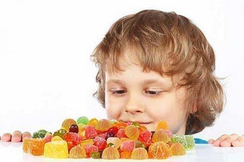 Много сладкого приводит в нарушению работы ЖКТ
