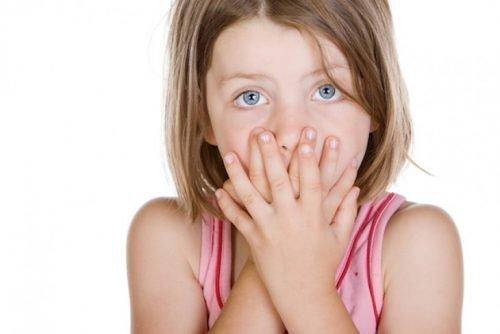 Запах дыхания у ребенка