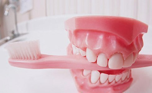 Профилактика заболеваний пародонта - качественный уход за зубами