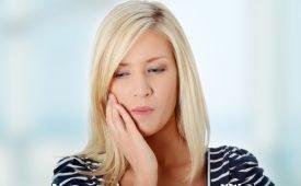 Воспалилась и болит десна около зуба мудрости: причины и способы лечения