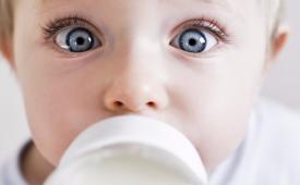 Лечение трещин на губах у ребенка